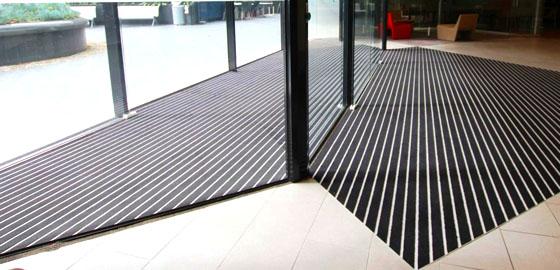 tapis aluminium personnalisable