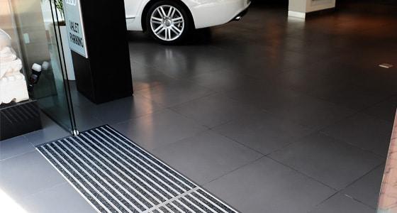 tapis aluminium absorbant